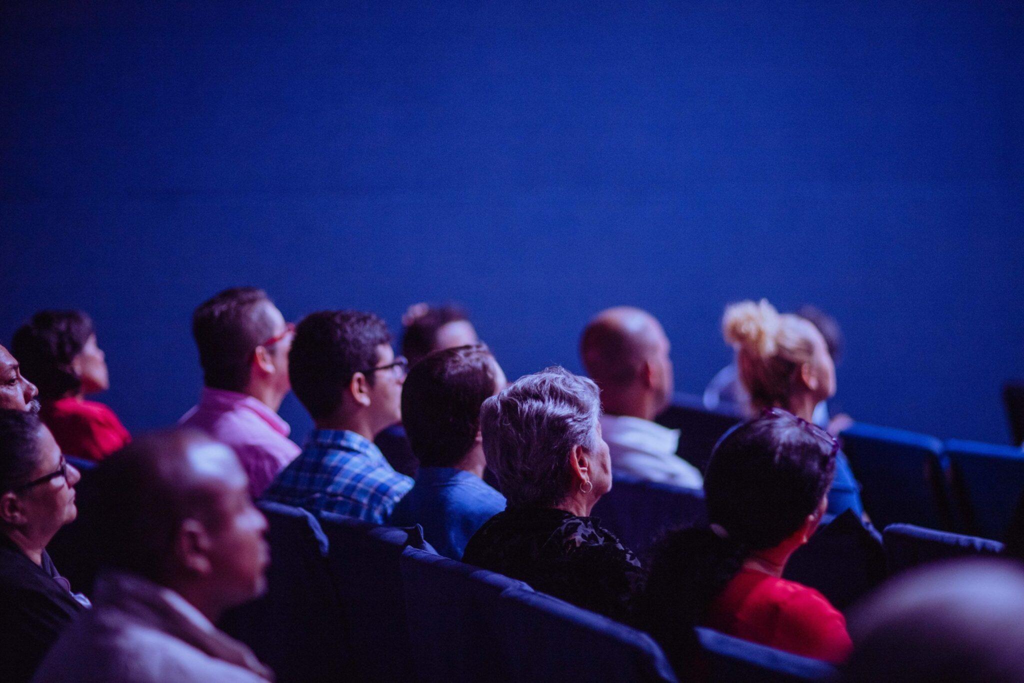 Come vedere film e serie tv insieme a distanza Cover
